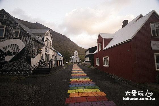 Seyðisfjörður小鎮美麗的鐵皮屋