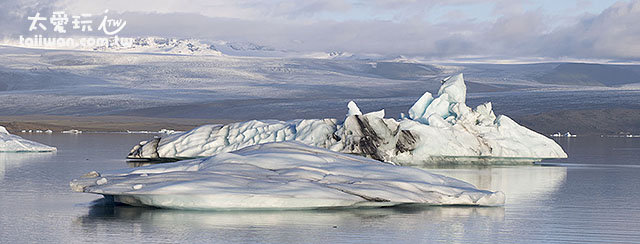 冰河湖上到處是冰山