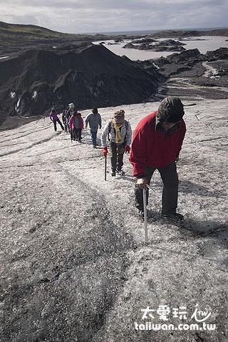 爬冰河是一定要參加的拉