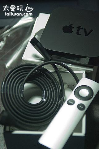 Apple TV、電源線與遙控器
