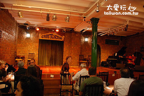 Caf e Tortoni咖啡店的Tango Show