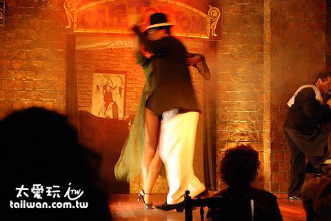 Caf e Tortoni的Tango Show的舞者非常專業