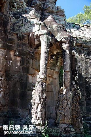 城牆上的大象雕像