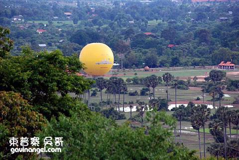可看到遠處的熱氣球