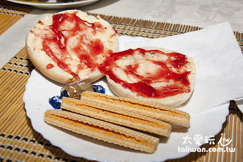 Ana Rupu Guset House早餐麵包與餅乾