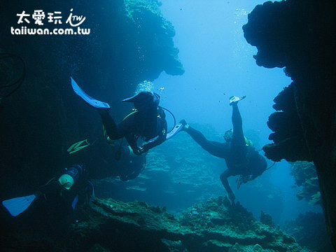 復活節島洞穴潛水
