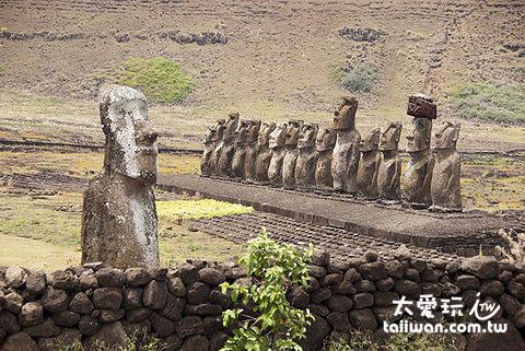 Ahu Tongariki 是島上規模最大的一處祭壇