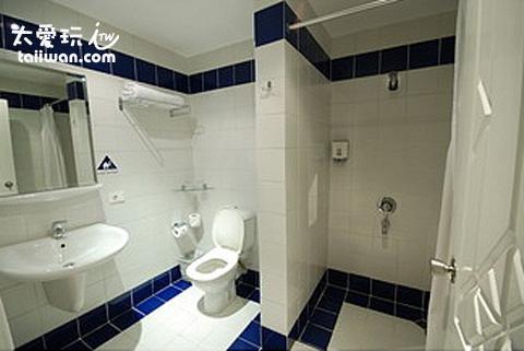 駱駝潛水飯店俱樂部雙人房浴室