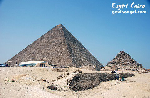 胡夫(Khufu)金字塔是最大的一座