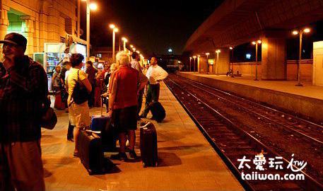 吉薩(Giza)火車站