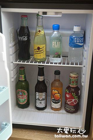 冰箱內飲料全部免費