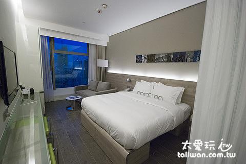 LW corner房型多了一個雙人沙發床