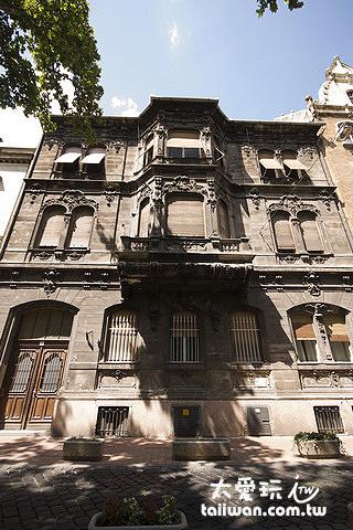 Brody House同樣是在一棟百年的老公寓裡