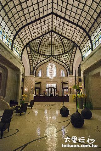 布達佩斯四季飯店大廳美侖美奐