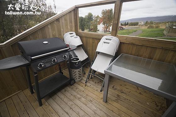 希爾瓦度假屋的陽台與BBQ烤肉爐