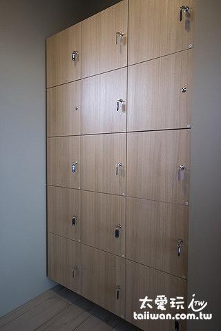 更衣室有置物櫃
