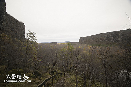 阿斯匹吉峽谷Ásbyrgi是人生中少數會烙印進我腦海中的獨特自然景觀