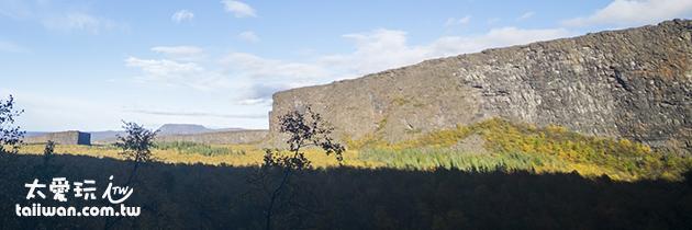 阿斯匹吉峽谷Ásbyrgi有如人造的巨牆