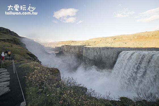 黛提瀑布Dettifoss是歐洲水量最大的瀑布