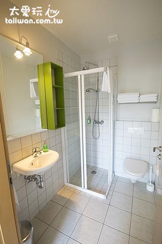 弗魯姆斯科加爾旅館及公寓的公寓浴室