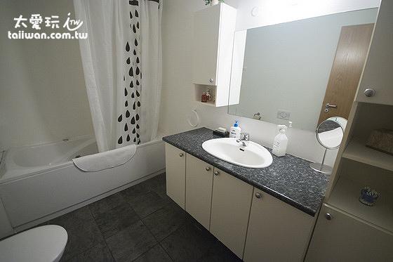 JF舒適公寓浴室