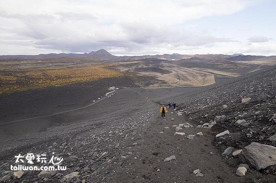 北側路線長600公尺,爬升高度90公尺,相當於30層樓,此路線比較緩比較多人走
