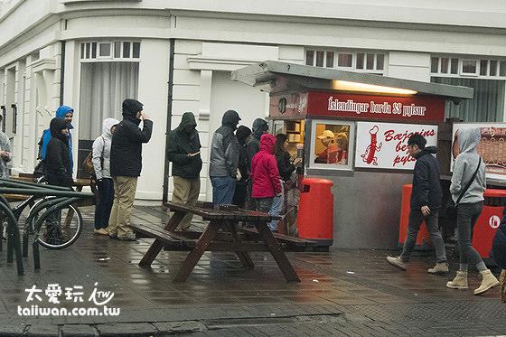 Bæjarins Beztu Pylsur熱狗店吸引了無數的人前來嘗鮮