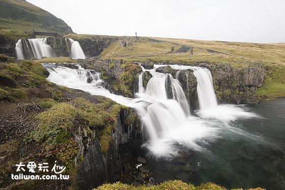 Kirkjufell教堂山瀑布
