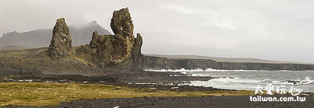 Lóndrangar奇岩