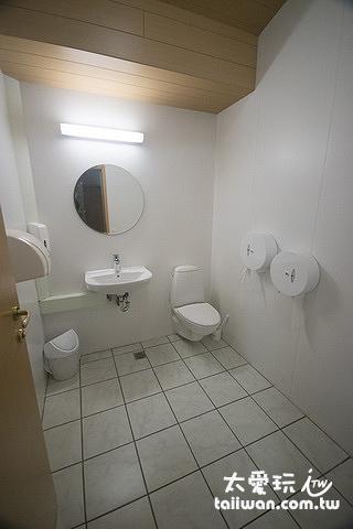 Hvoll Guesthouse赫沃爾旅館公用廁所