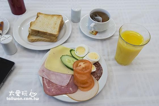 Hotel Hella赫拉酒店早餐豐富