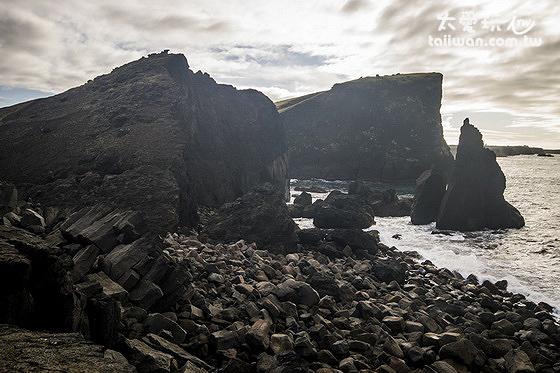 你可以爬上Valahnjúkur晀望Eldey島及周邊的區域