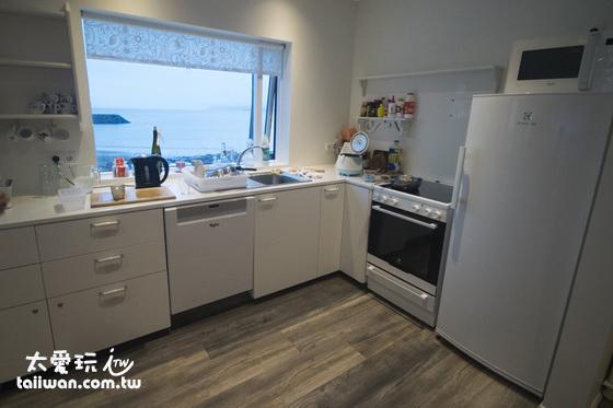 維德哈菲德旅館廚房乾淨整潔