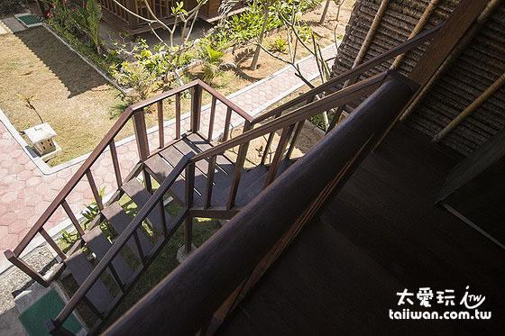 阿比安棚屋酒店Abian Huts在地特色的高腳茅草屋