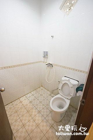 Surya Inn民宿房間廁所
