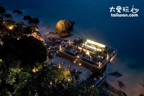 岩石酒吧夜色