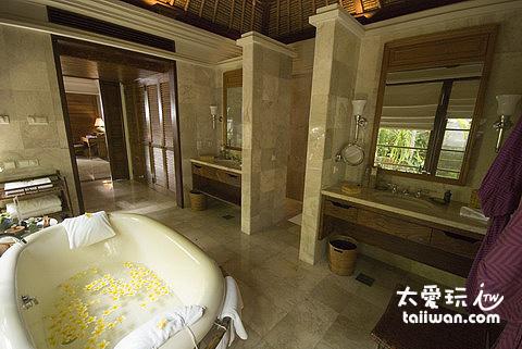 金巴蘭灣四季酒店別墅浴室