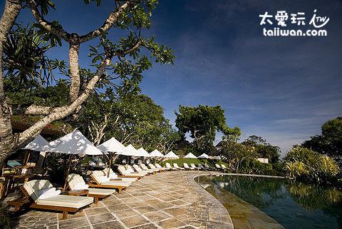 金巴蘭灣四季酒店泳池