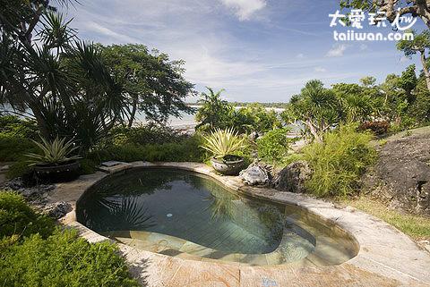 金巴蘭灣四季酒店泡水池
