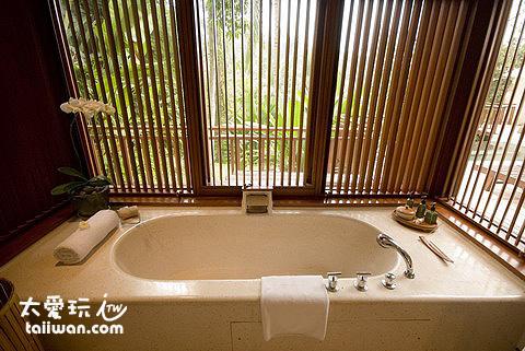 別墅大浴缸