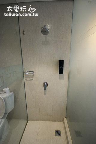 高级房Superior Room 淋浴间