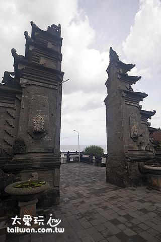 巴里島常見的山門