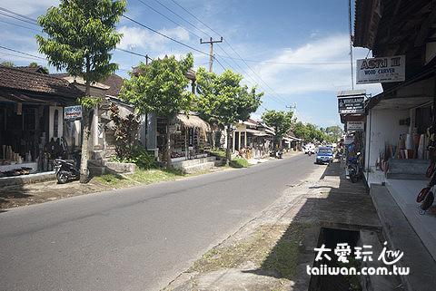 德哥拉朗的路上會經過幾個小聚落