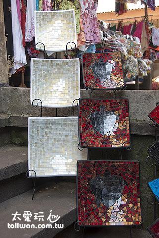 烏布市場販賣各種藝術品