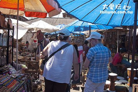 各國遊客必逛烏布市場