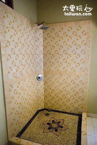 Venezia SPA二樓房間淋浴
