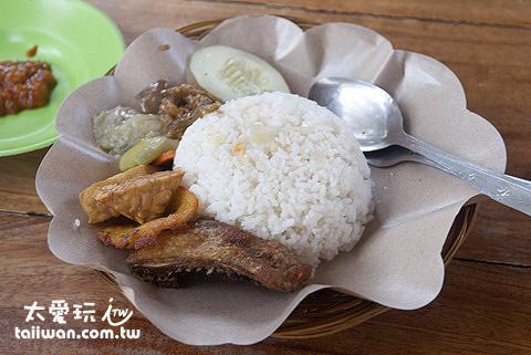 NASI CAMPUR印尼自助餐