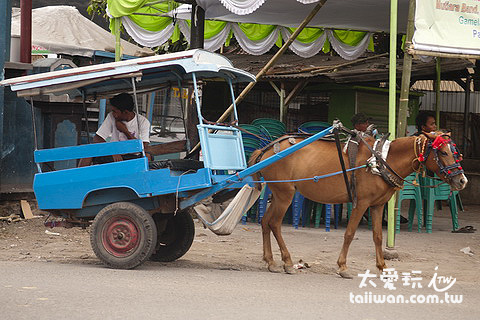馬車是適合短程的交通工具