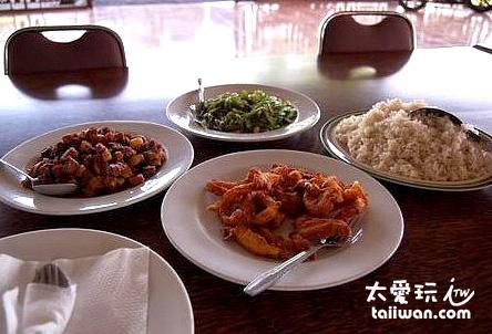 飯店供應的中餐