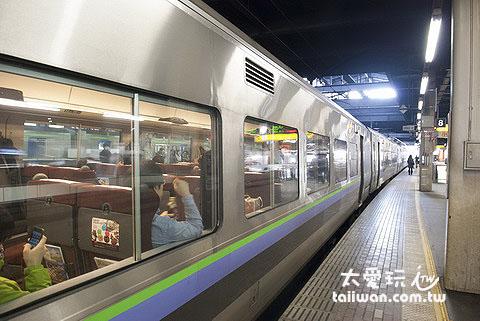 搭JR火车前往旭川